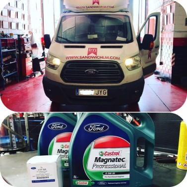 Verificamos el tipo de aceite especifico para su motor, (por ejemplo) si su vehiculo lleva filtro de particulas DPF y necesita aceite de motor con la especificacion C3 (bajo en cenizas)